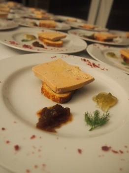 Foie gras sur pain au maïs et ses 2 confitures de Lucien Georgelin